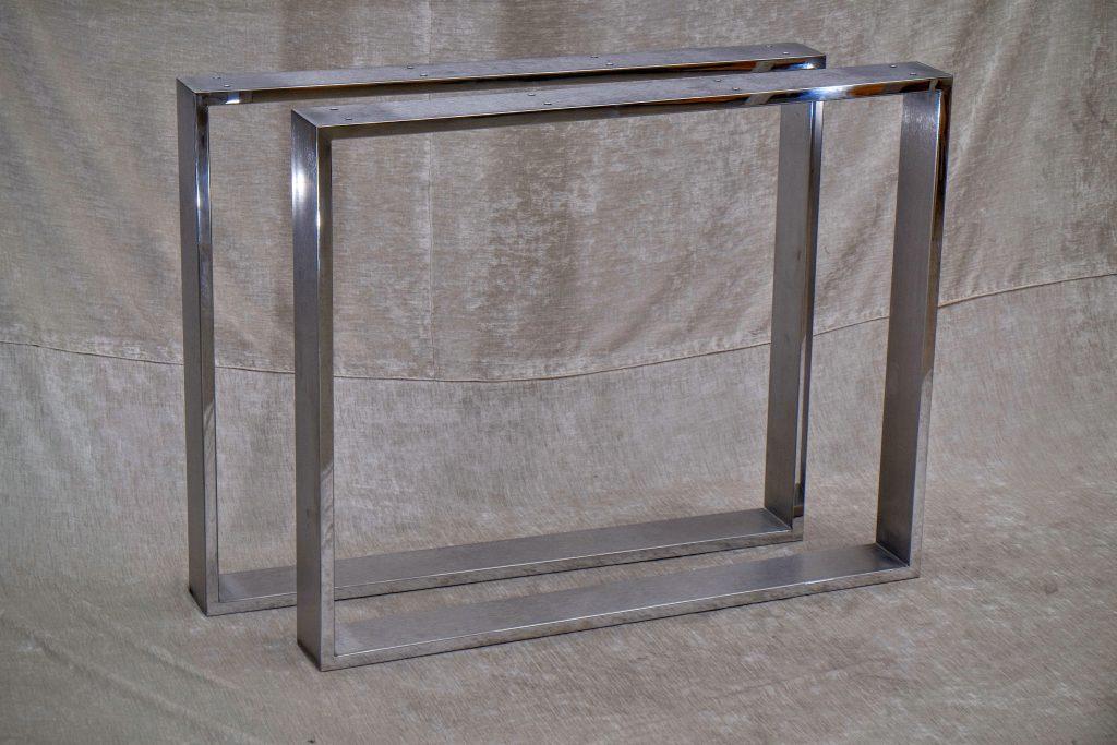 Hochglanzpolierte Tischkufen Edelstahl
