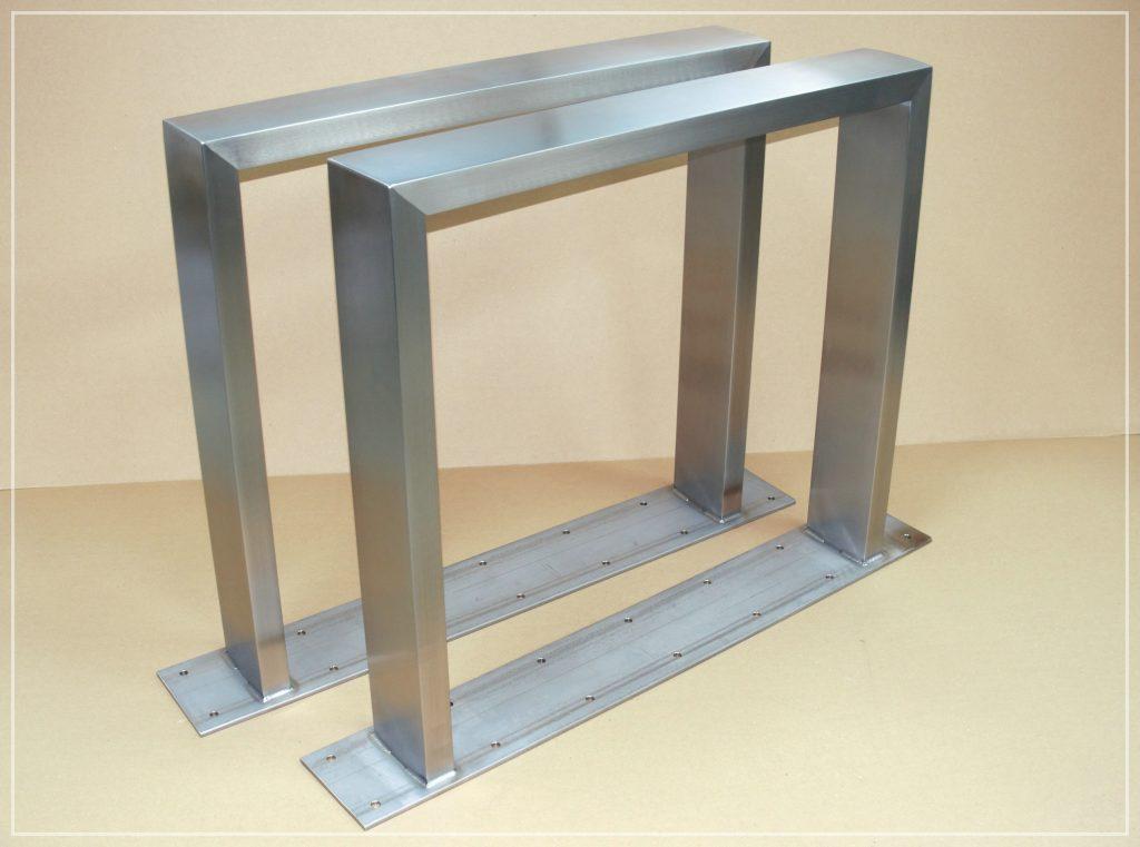 Tischkufen 120x40 mit 150x8mm Anschraubplatte